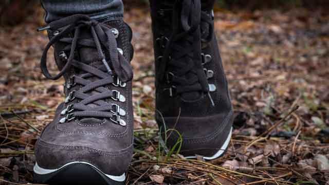 footwear-3118886