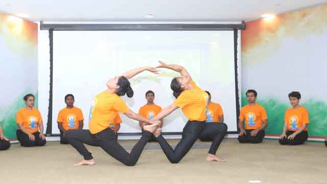 old-yoga-3